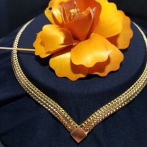 MONET VINTAGE GOLD PLATE WHEAT DESIGN CHAIN CHOKER